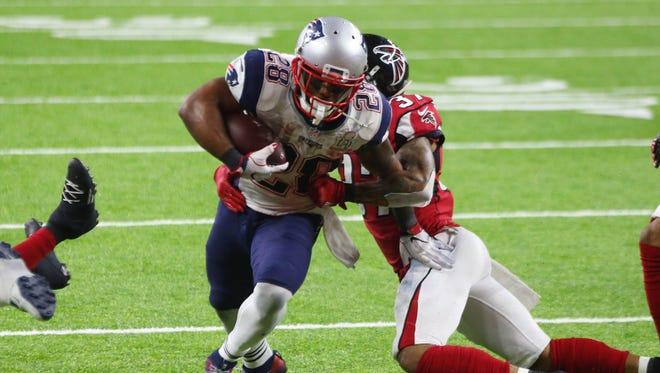 Patriots RB James White scores the game-winning TD of Super Bowl LI.