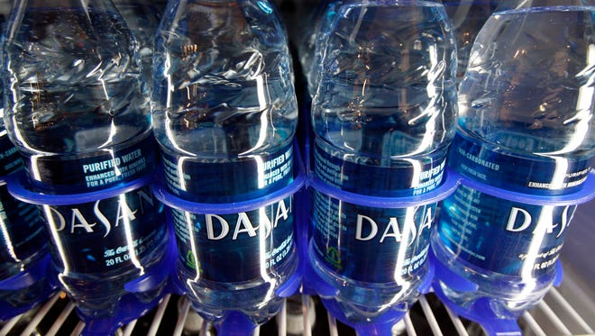 Bottled water consumption has been on a steady rise for the past 15 years, just as carbonated soft drinks have fallen out of favor. A new report estimates Americans saved an average of 24,000-27,000 calories last year by opting for water over less healthy drinks.