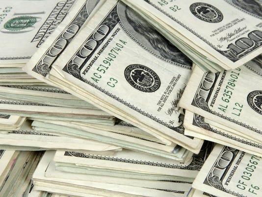 635518995401680283-money