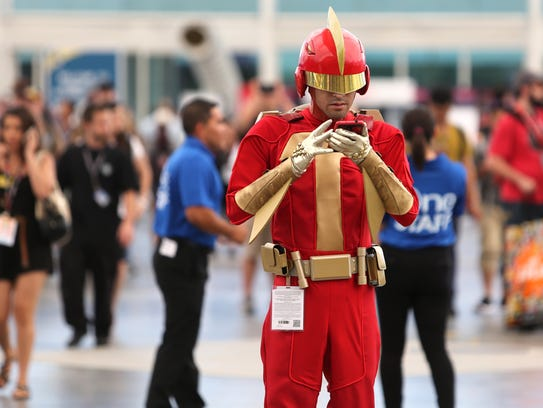 """Turbo Man from the movie """"Jingle All The Way"""" checking"""