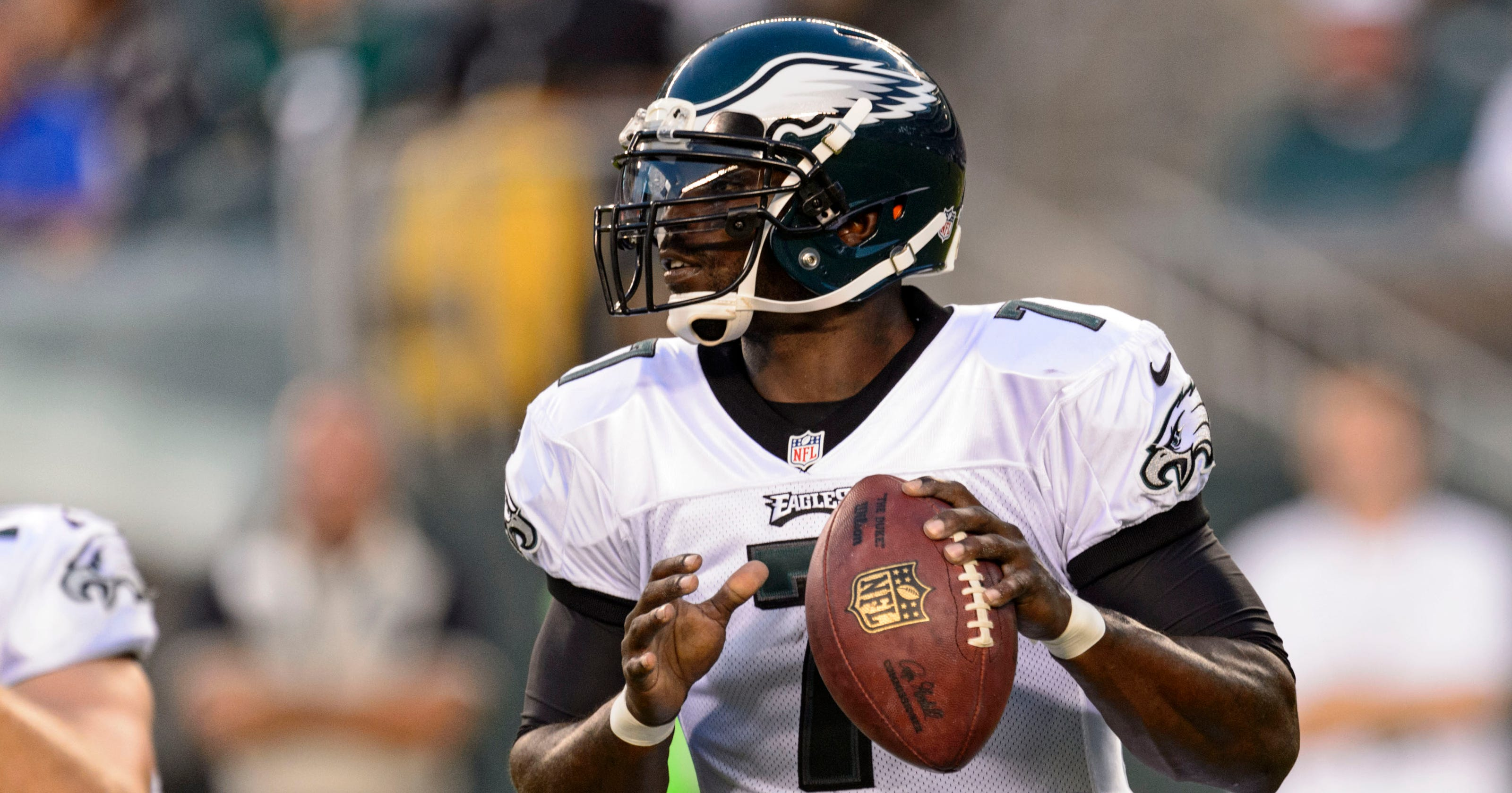 4c2b4f615 Michael Vick sharp in early audition for Eagles  QB