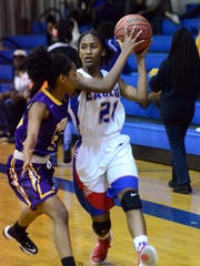 North Forrest player  Sydney Blackwell passes the ball