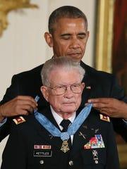 President Barack Obama presents the Medal of Honor