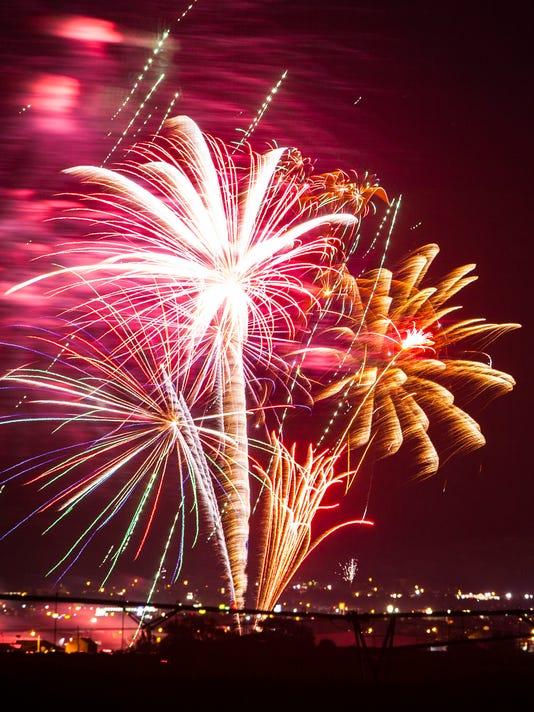 CC-0704-Cedar-Fireworks-4.jpg