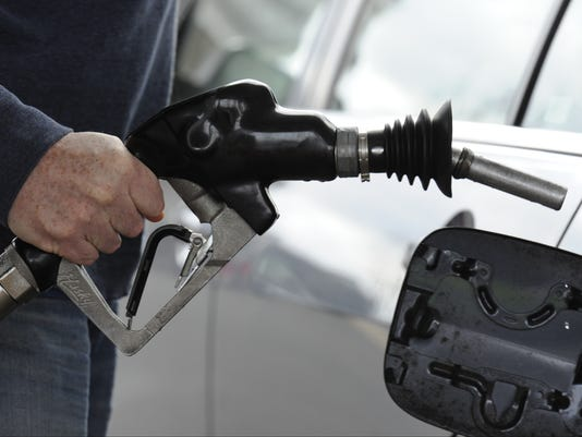 XXX GAS PRICES GAS PUMP EMB767.JPG USA PA