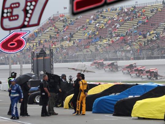 NASCAR_Michigan_Auto_Racing_08645.jpg