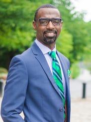 Damon M. Qualls, principal of Monaview Elementary School