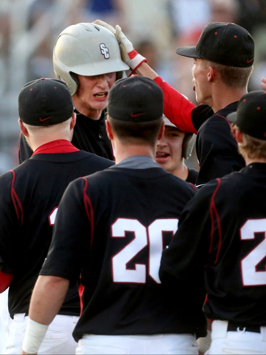 636299735566984170-25-Riverdale-vs-Creek-baesball.JPG