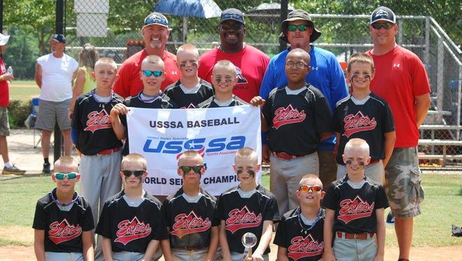 The Mountain Expos 10 and under baseball team and its coaches.