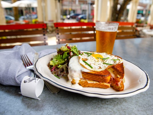 Croque-Madame-with-place-setting.jpg