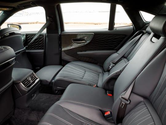 Usa Today Review 2018 Lexus Ls 500 Has Shiatsu Seats And Origami