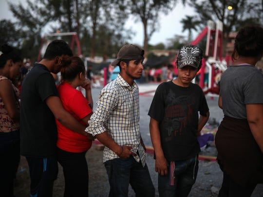 Estos migrantes se dirigen a un simposio sobre derechos de los inmigrantes en el estado de Puebla, en el centro del país.