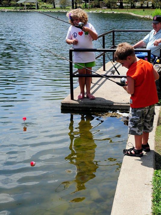 Dick Martin on kids fishing for bluegills.jpg