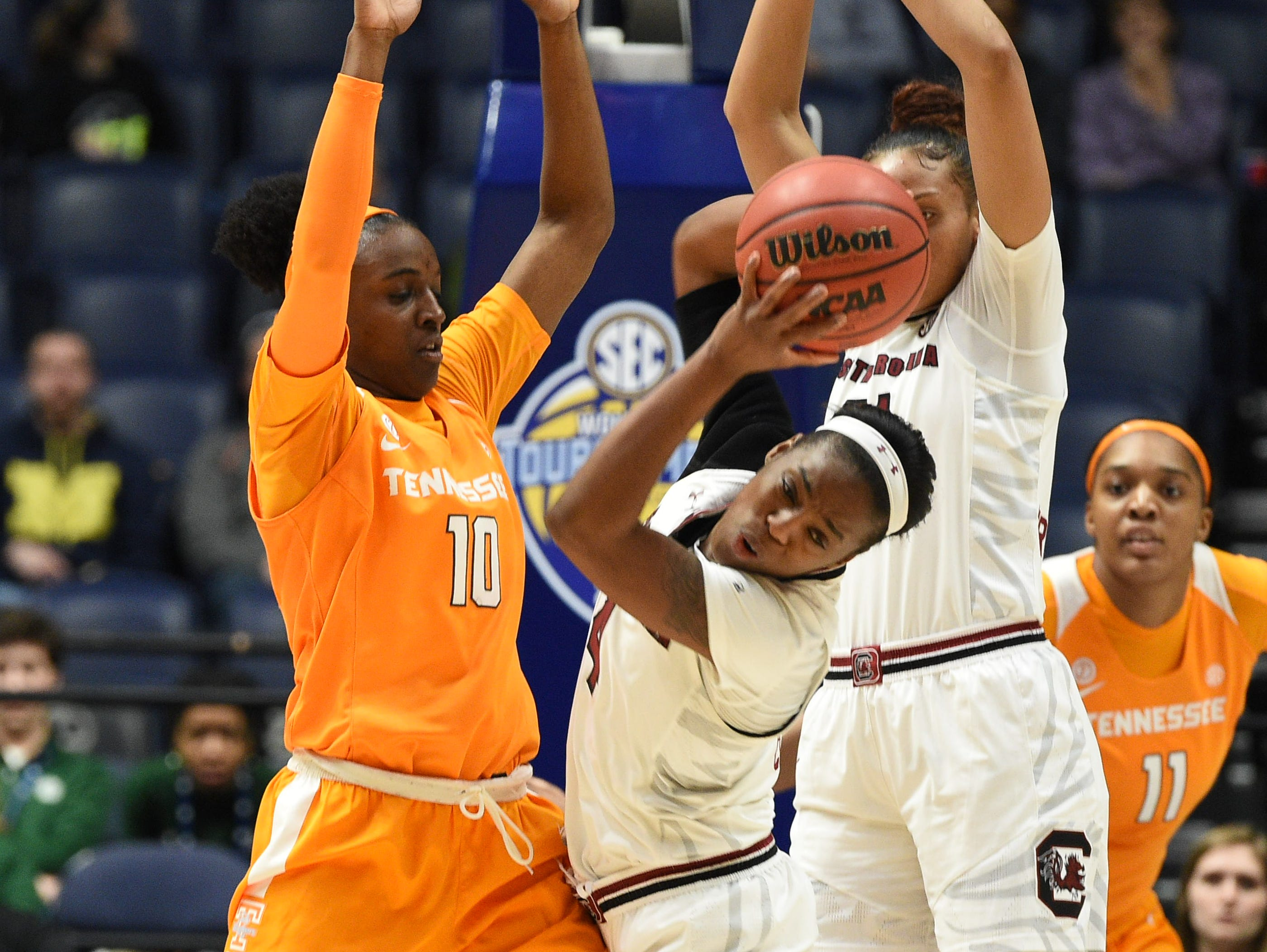 Tennessee Lady Volunteers guard Meme Jackson (10) stops South Carolina Gamecocks guard Doniyah Cliney (4) during the quarterfinals at the 2018 SEC WomenÕs Basketball Tournament at Bridgestone Arena in Nashville on Thursday, March 2, 2018.