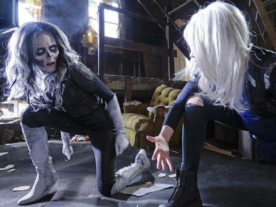 Silver Banshee (Italia Ricci) and Livewire (Brit Morgan)