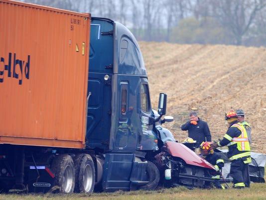 635827694719923731--314-head-on-crash