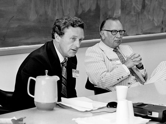 John Seigenthaler, left, publisher of the Tennessean, speaks while Republican National Finance Committee Chairman David K. Wilson listens during the Robert A. Taft Institute of Government program at the University of Tennessee-Nashville in 1973.