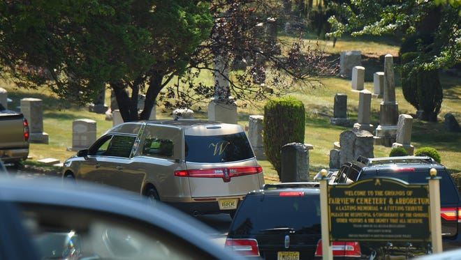 Hearse containing Bobbi Kristina Brown's casket arrives at Fairview Cemetery on August 3, 2015 in Westfield, N.J.