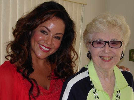 Actress Katy Mixon and celebrity journalist Taris Savell
