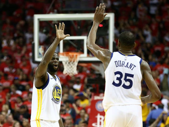 Golden State Warriors forward Draymond Green (23) and