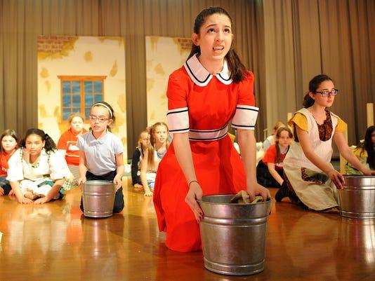 MNJ 0417 Annie at St. Peter's_1.jpg