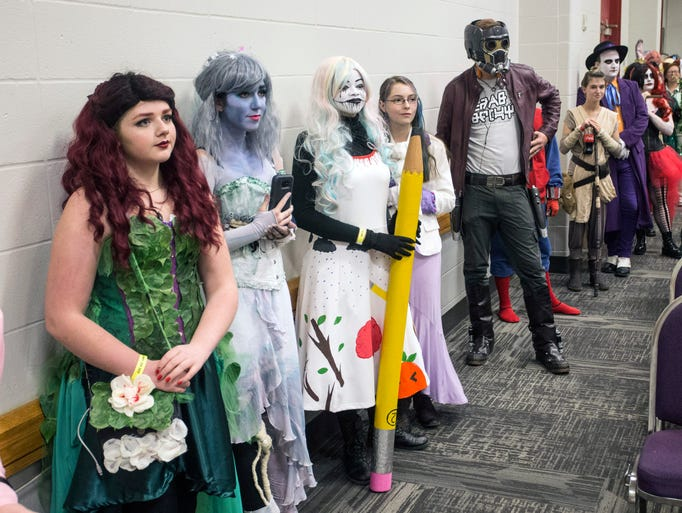 phoenix comic con sci fi speed dating Searching for a girlfriend who loves horror movie paraphernalia and anime she may just be sitting across from you at new york comic con's speed-dating event brian heater reports.