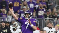 Minnesota kept alive its hopes for becoming the first team to play in the Super Bowl as a host.