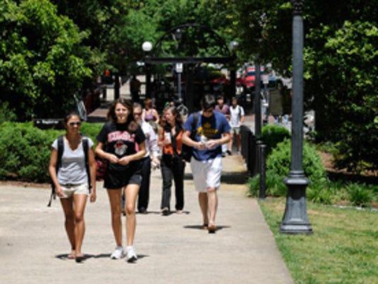 campus-walkers300