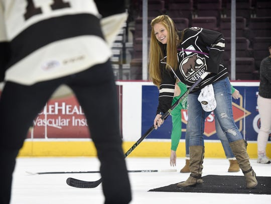 Myerstown native Lindsey Dimond practices passing with
