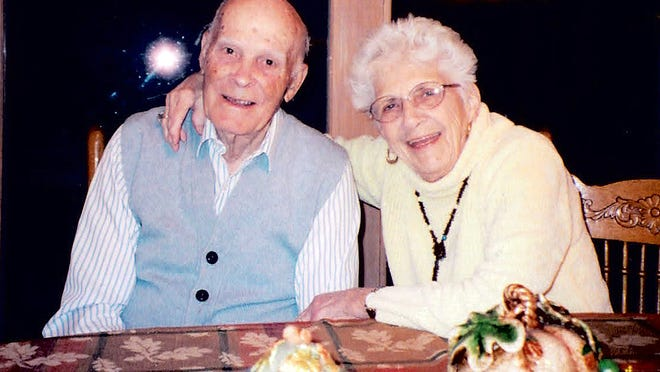 """Joe Auer died Friday at 100; his wife Helen Auer died at 95. """"They wanted nothing and got everything in return,"""" said a son, Jerry."""
