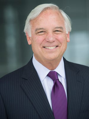 "Author Jack Canfield outlines keys to success in ""The Success Principles."""