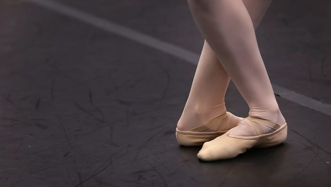 Indianapolis Ballet, a new professional company, plans to launch in 2018.