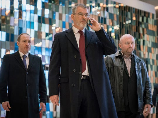 Pierce Brosnan handles business with Bond-like efficiency