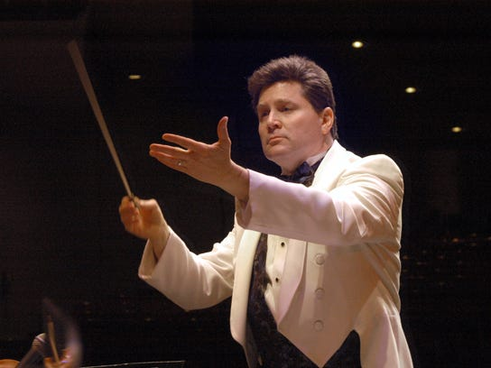 Andrew Kurtz founded and directs Gulf Coast Symphony