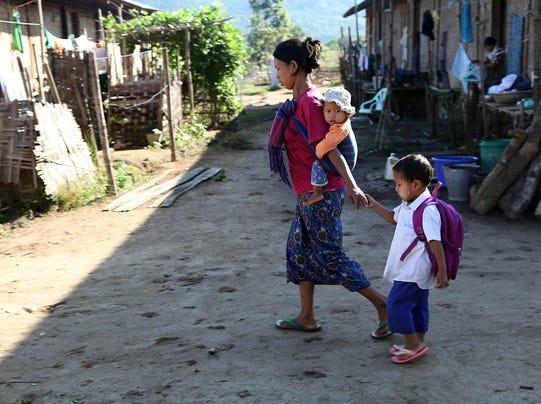 110613 burma refugee camp
