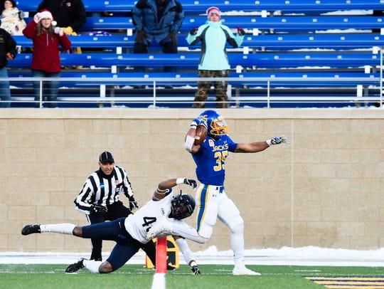 South Dakota State Jackrabbits running back Isaac Wallace