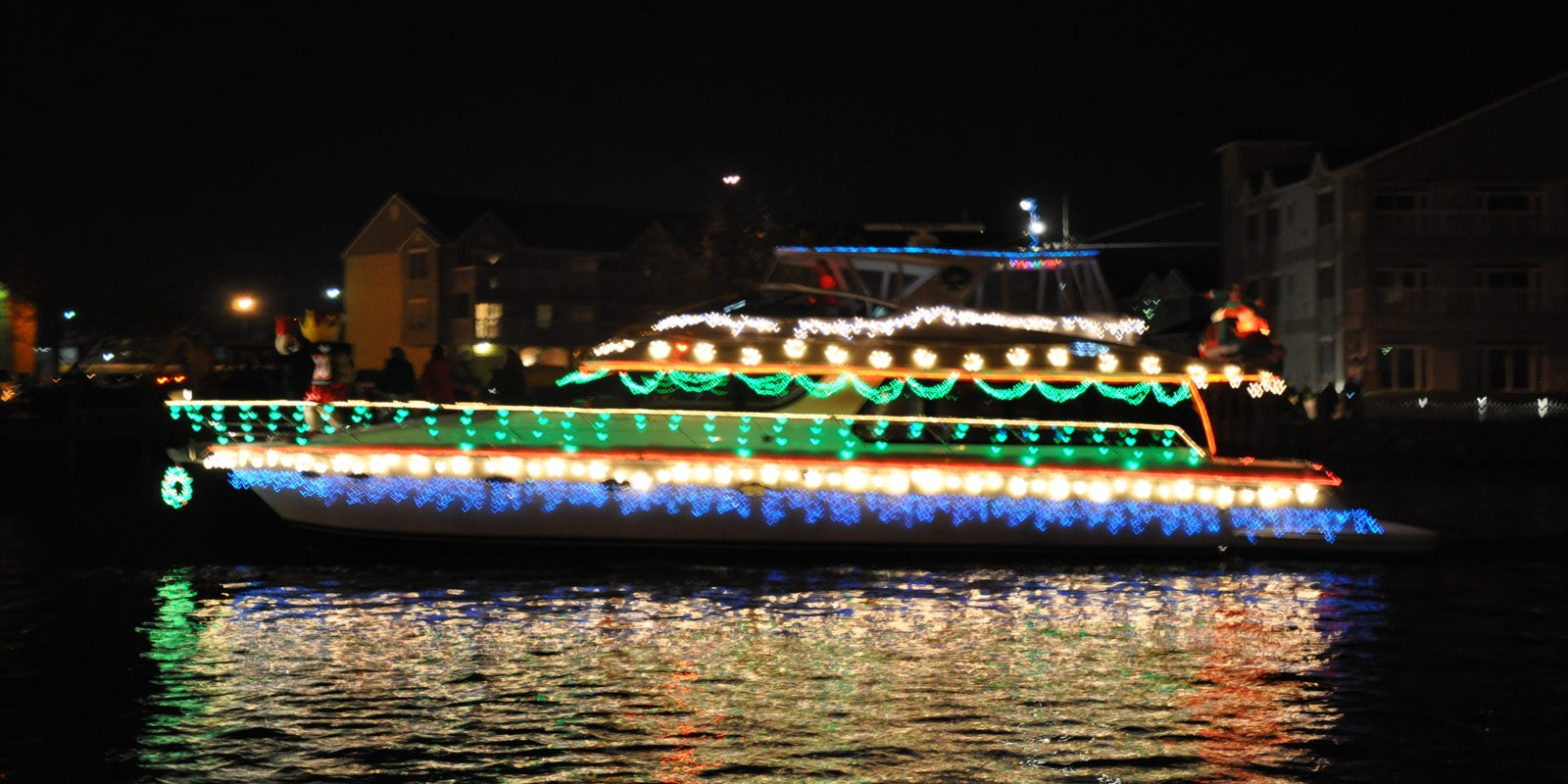 Christmas Boat.Wicomico Will Glow With Christmas Boat Parade