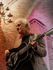 Doug MacLeod is coming to Ventura Friday.