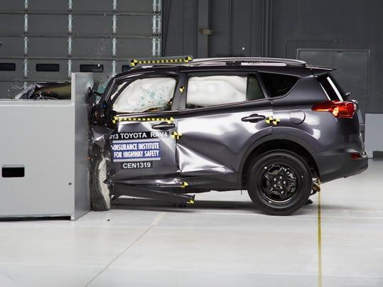 bad crash test scores sink 3 toyota vehicles. Black Bedroom Furniture Sets. Home Design Ideas
