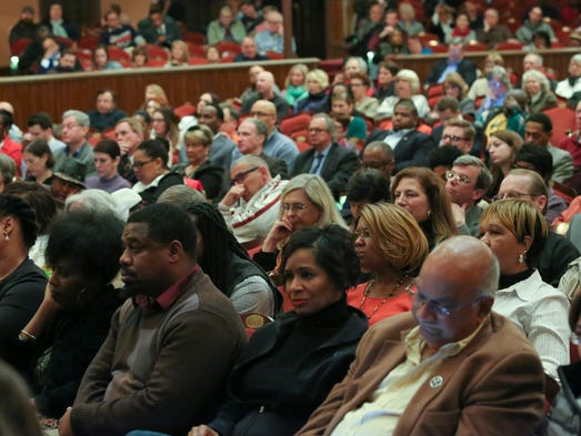 The crowd listens as Wilmington mayoral candidates