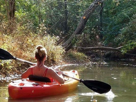636144691132003472-kayaker1.jpg
