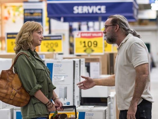 Gary Faulkner (Nicholas Cage) encounters the girl he