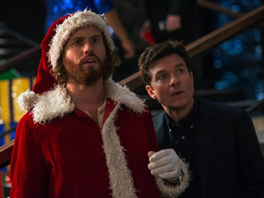 """T.J. Miller and Jason Bateman in """"Office Christmas Party"""