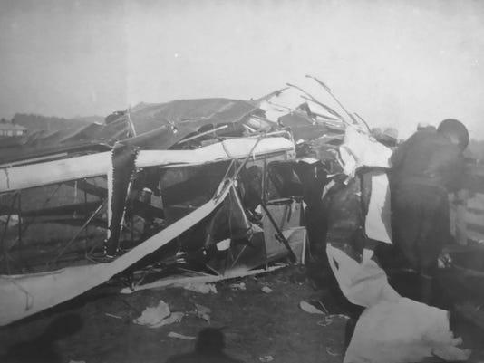 Plane wreck Brumfeld.jpg