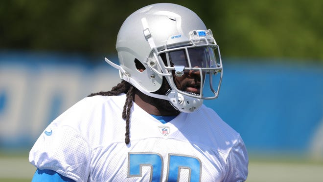 Lions running back LeGarrette Blount goes through drills during OTAs on Thursday, May 24, 2018, at the Allen Park practice facility.
