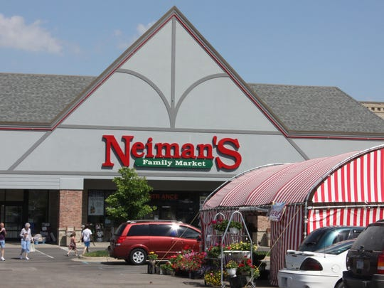 Neiman's Family Market in St. Clair and other grocery stores are hiring additional help during the coronavirus pandemic.