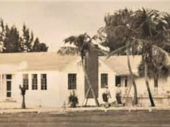 Military Servicemen's Club in late 1943.