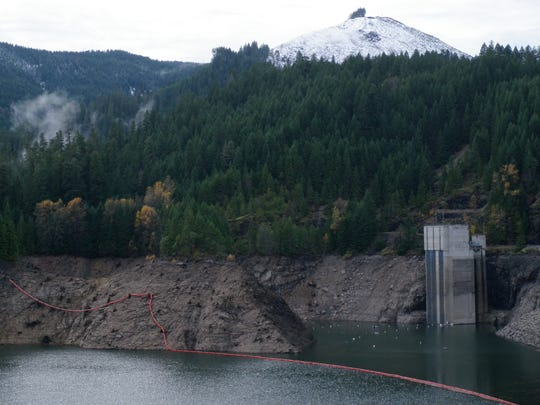 Cougar Reservoir at lower water, with its temperature control tower visible. A similar tower is proposed for Detroit Lake.