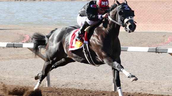 Moneys a Maker won the featured race Saturday at Sunland Park Raceterack 7 Casino.