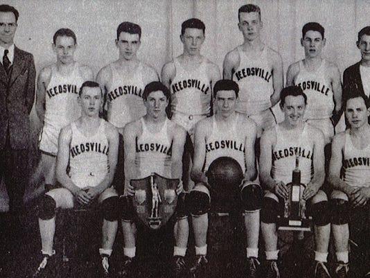 636567314861676054-Reedsville-1946-WIAA-basketball-champions.jpg